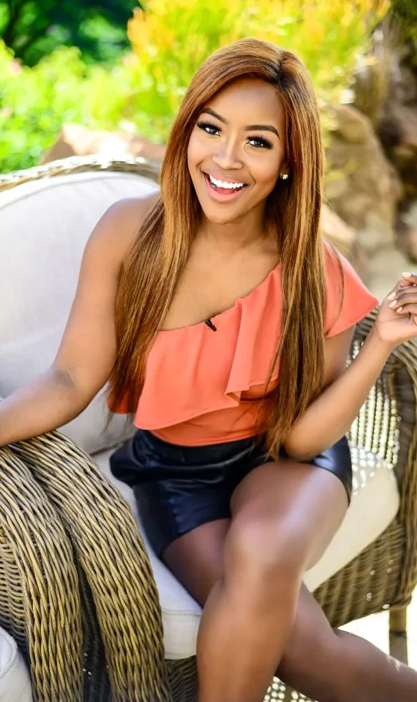 Minnie Dlamini Accused Of Being Fake