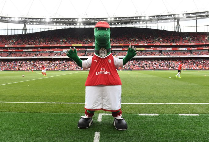 Arsenal's Mesut Ozil Steps In To Save Gunnersaurus From Extinction