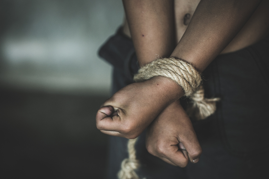 Hubby Kidnaps Wife's Lover Ties Him Up And Leaves Him Stranded In A Bush For 10 hours