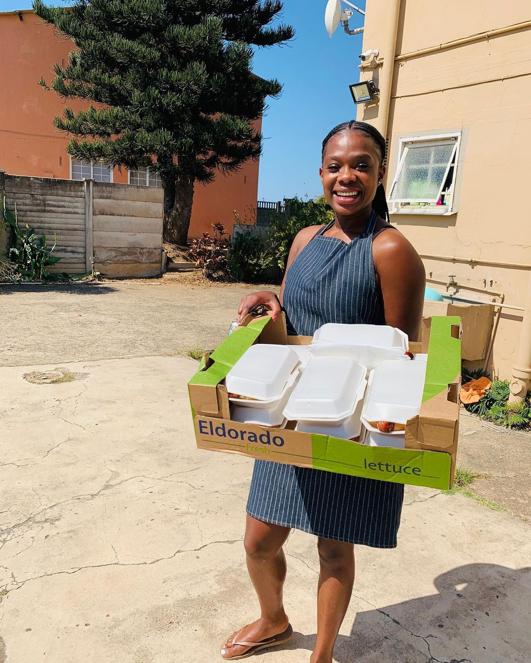 Lily From Uzalo's Real Life Side Hustle, Sells Hotdogs