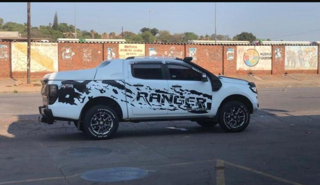 Macheso's pimped up Ford Ranger