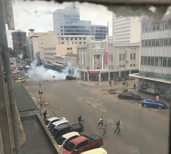 Police Fire Teargas At MDC Supporters