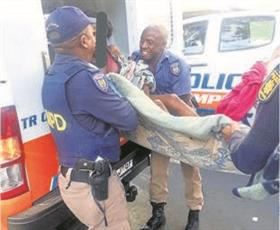 SA Police help homeless mom give birth on the streets
