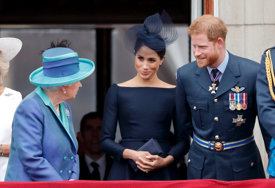 Harry and Meghan dump the Queen