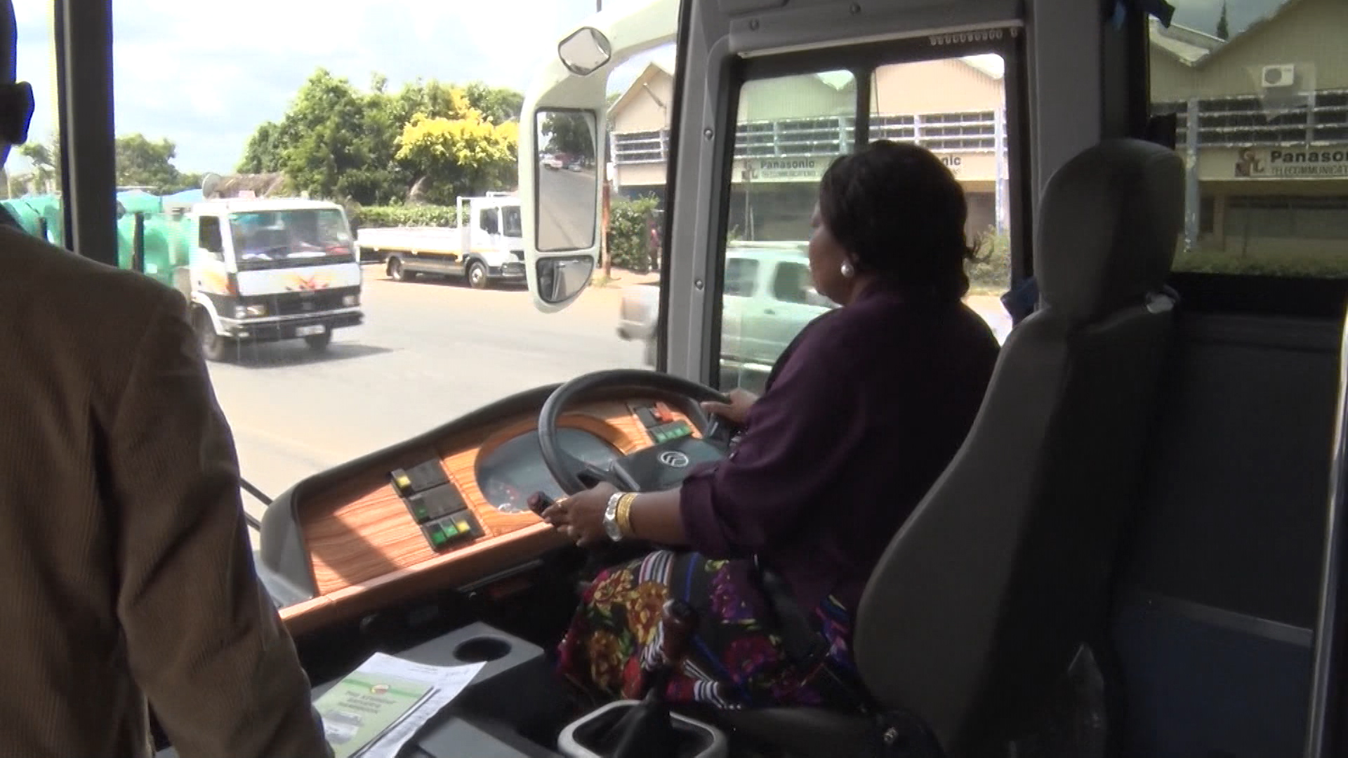 First Lady Gets Class  1 Licence To Drive Lorries and Buses